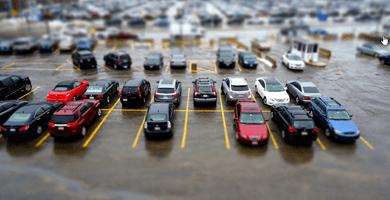 Naujų automobilių virtinė atvyko į  kauno turgų