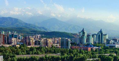 """Kazachstano automobilų turgus  ,,Almati"""""""